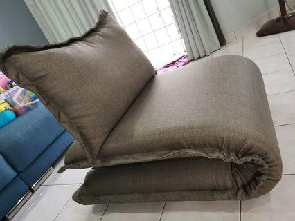 Foldable single sofa (convertible to bed) HOT!!