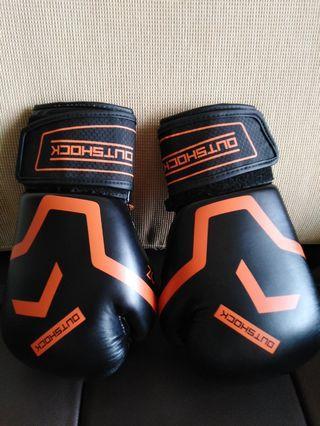 OUTSHOCK Boxing Glove 10oz