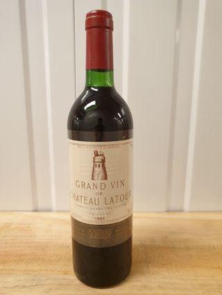 Ch.Latour 1982 750ml (RP100) France, Bordeaux, Medoc, Pauillac Cabernet Sauvignon - Merlot