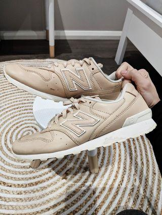 New balance Beige Nude White 996 Sneakers Shoes