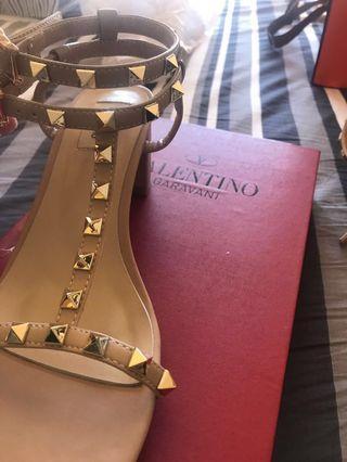 Valentino Heel