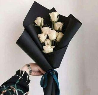 🚚 White roses bouquet