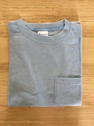 🚚 Authentic Men's Champion t-shirt tee