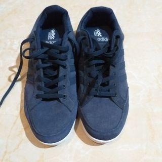 Sepatu adidas versi neo. Original. 100%new