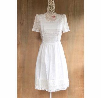 Vintage Lace Pattern Short Sleeves Mini Dress