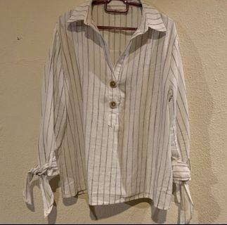*PRICE REDUCED* Stripe Top with Sleeves details in White