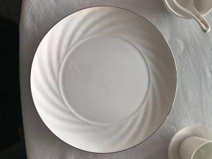 日本Narumi骨瓷餐碟Narumi bone china plate