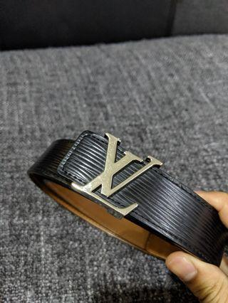 🚚 Louis Vuitton Belt