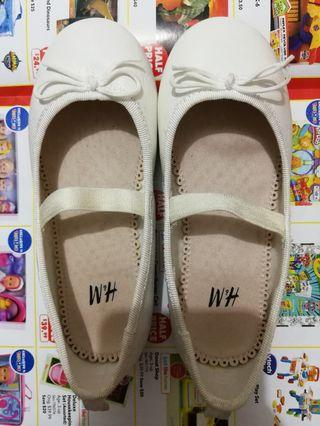 🚚 H&M Girl Shoes_Size EUR26