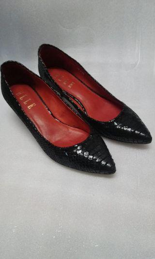 ELLE 黑色尖頭鞋