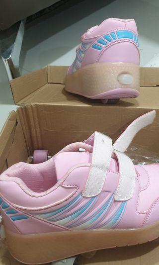 Kids skate shoe