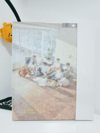 [WTS] SEALED BTS 24/7 EXHIBITION PHOTOBOOK