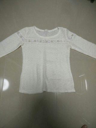 White knitted top