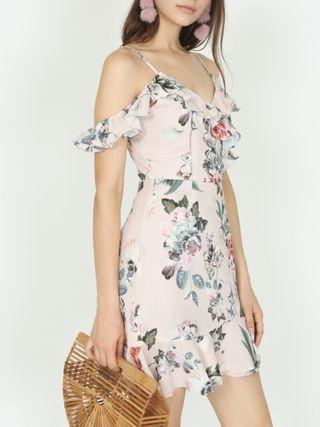 🚚 Floral Off Shoulder Frilly Dress In Blush
