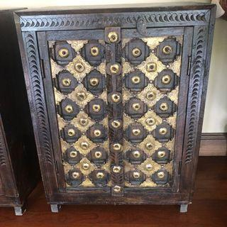 Vintage side table chest
