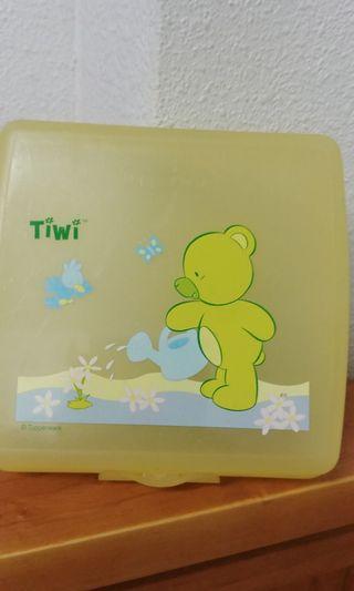 Tupperware tiwi children lunch box