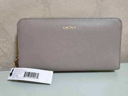 🚚 DKNY Ladies Long Wallet