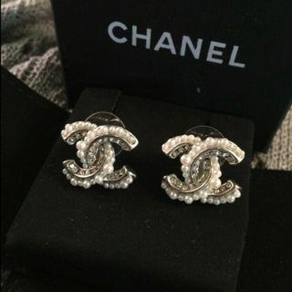 CHANEL EARRING (Authentic)