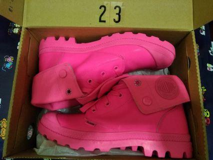 Brand new Palladium neon pink booties