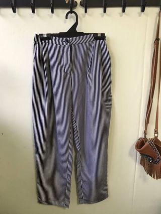 🚚 Monki Stripped pants