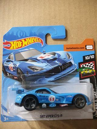 Hot Wheels SRT Viper GTS-R 2 pcs left