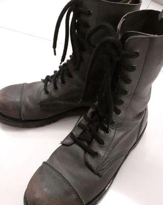 Dr Martin 10 holes boots軍綠