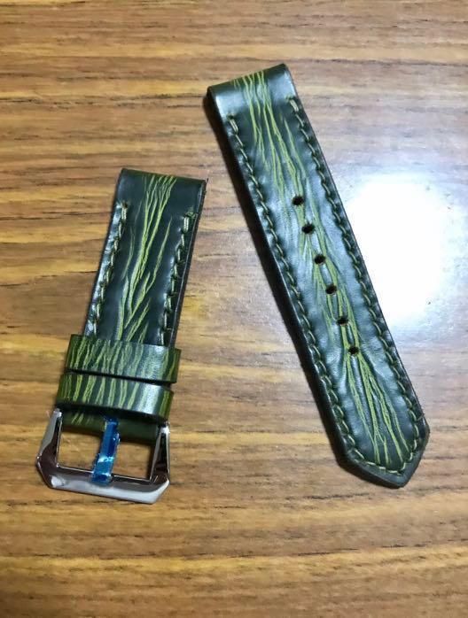 "26mm/26mm British Racing Green Leather Watch Strap ""Dragon's Tail"" #MRTHougang #MRTSerangoon #MRTSengkang #MRTPunggol #MRTRaffles #MRTBedok #MRTTampines #MRTCCK"
