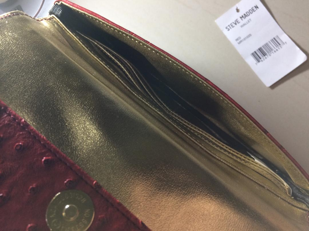 Authentic dompet Steve Madden  wallet red MR101025  with barcode tag ( di dalam dompet ) Gold hard ware ( GHW )   Original 100% USA   Ex hadiah