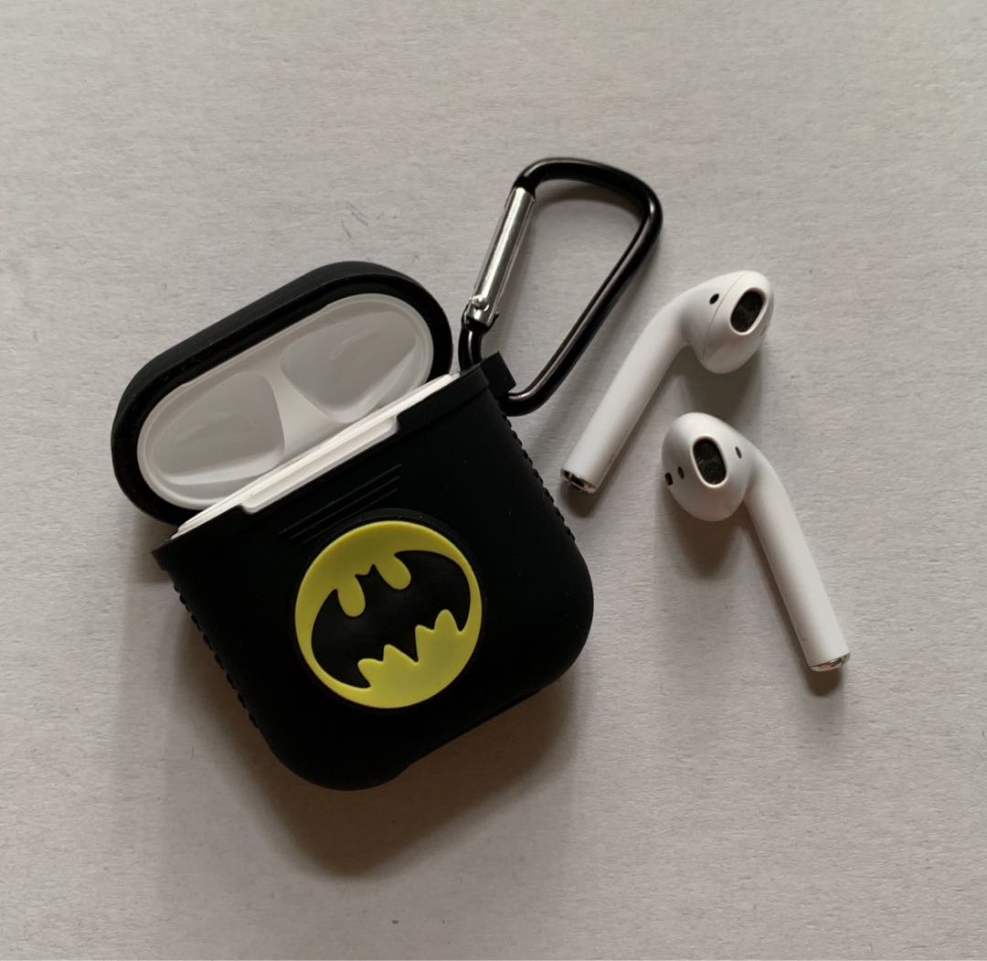 the latest 4f6d4 255c4 Batman Airpod Case