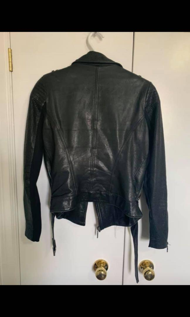 BCBG MaxAzria leather kackst
