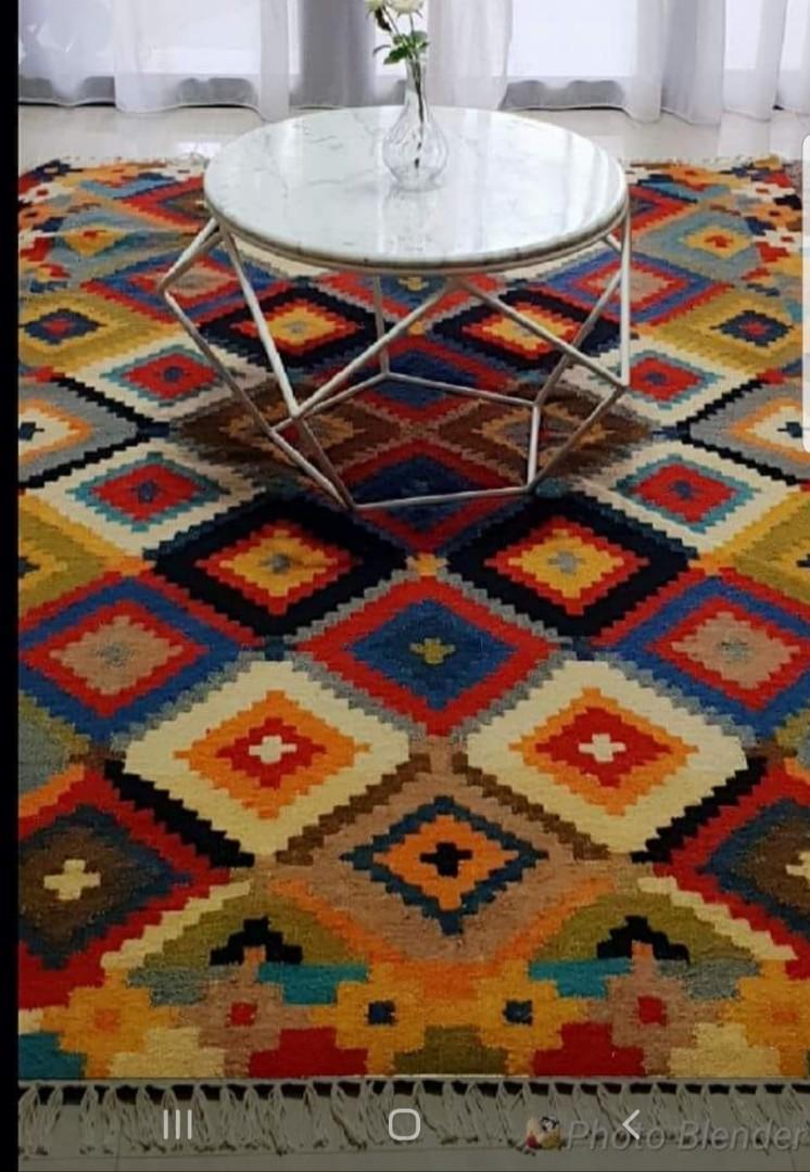 Carpet Rug ( handwoven) 5ft x 8ft