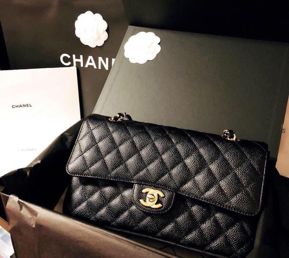 Chanel medium classic black caviar ghw seri 23 almost new 99 percent new complete set