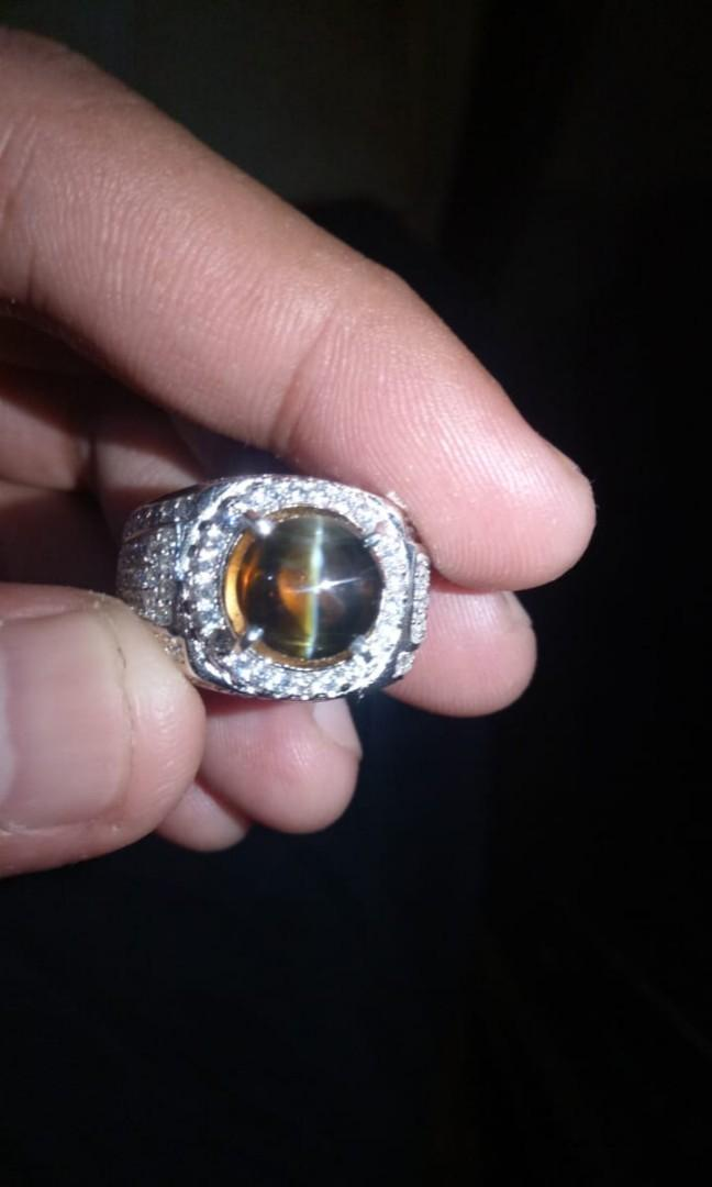 Cincin Batu Cat's Eye