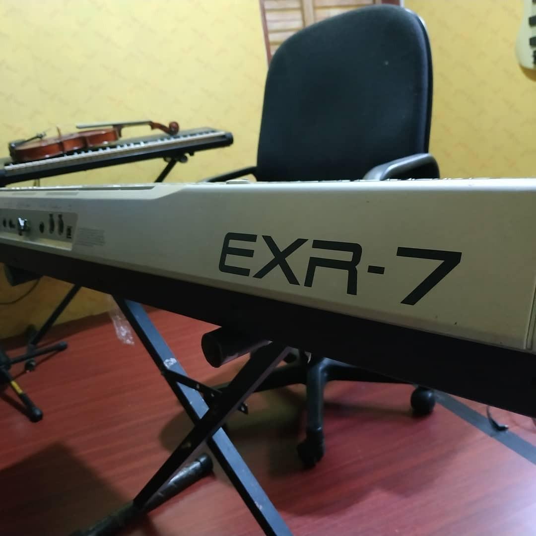 Keyboard Roland EXR-7