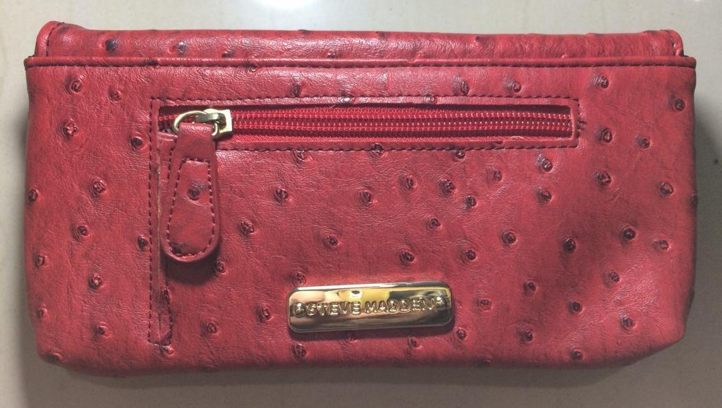 Original / Authentic Steve Madden  wallet red MR101025  with barcode tag ( di dalam dompet ) Gold hard ware ( GHW )   Original 100% USA   Ex hadiah