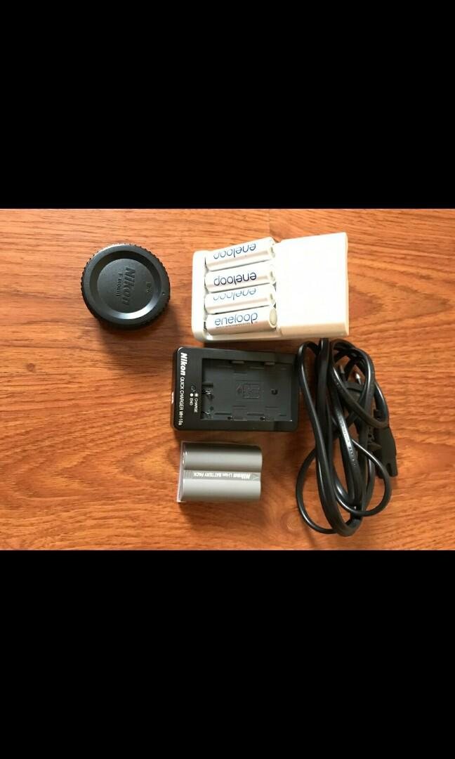 Paket Nikon D90 + lensa + flash + tripod (wajib take all)