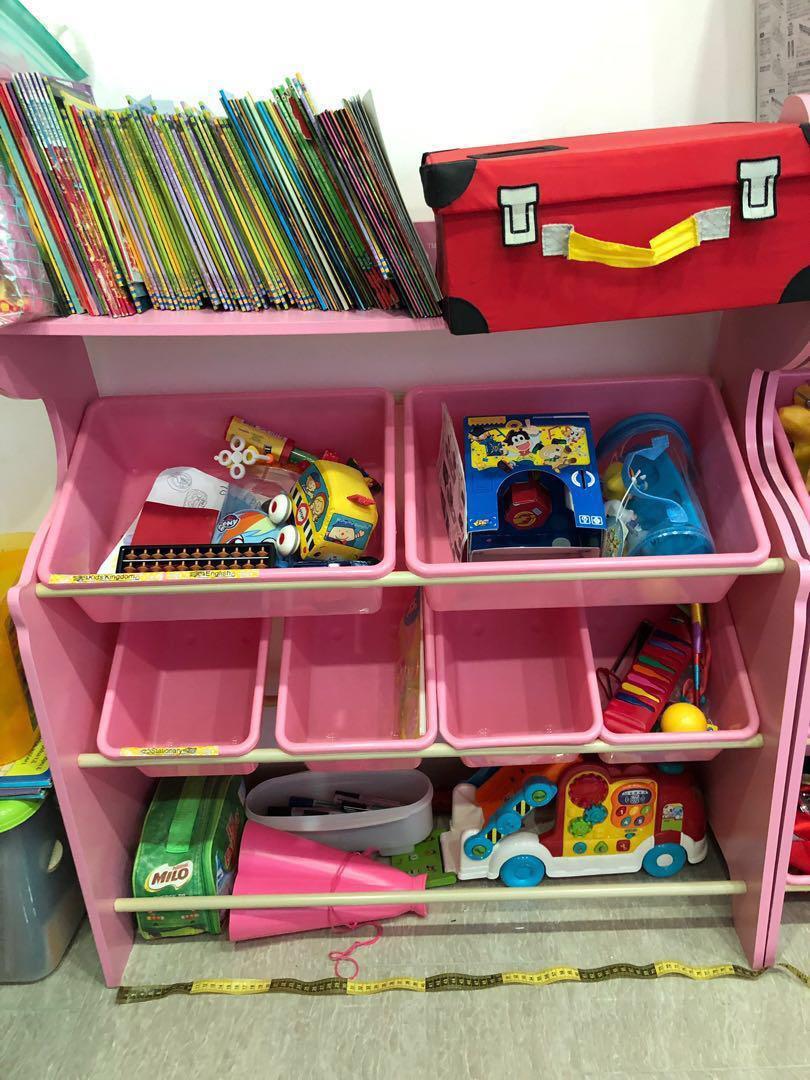 Pink Giraffe Shelf