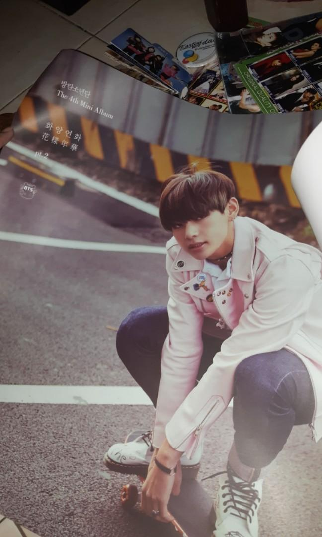 Poster official V (Kim Taehyung) BTS - The most beautiful moment in life pt.2