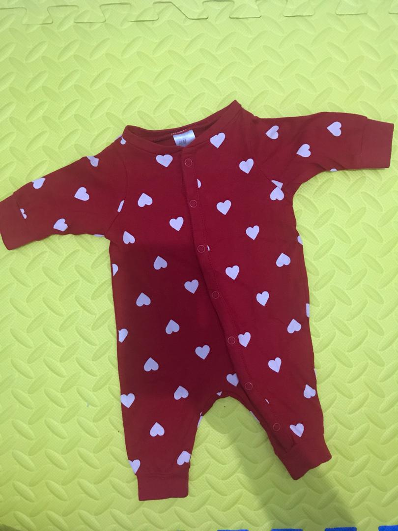 Preloved HnM Sleepsuit Baby