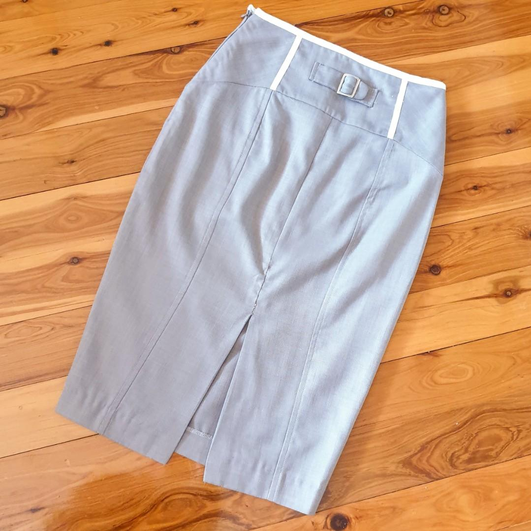 Women's size 8 'SHEIKE' Stunning grey with white trim midi pencil skirt- AS NEW