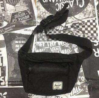 Herschel Supply Seventeen Sling Bag