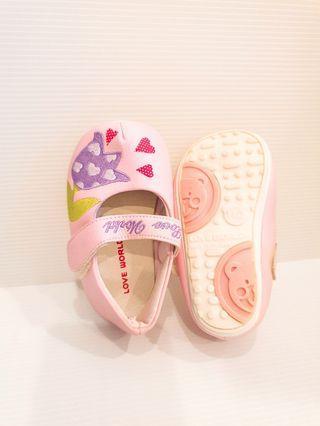 🚚 愛的世界-嬰兒鞋 9.5成新 14公分