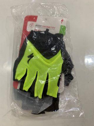🚚 Specialized Body Geometry Gloves