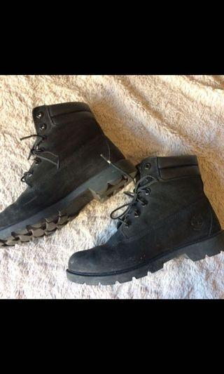 Black timberlands size 9