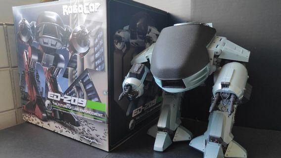 RoboCop ED209 NECA figure with sounds from movie box OCP robot not Hottoys Sideshow medicom