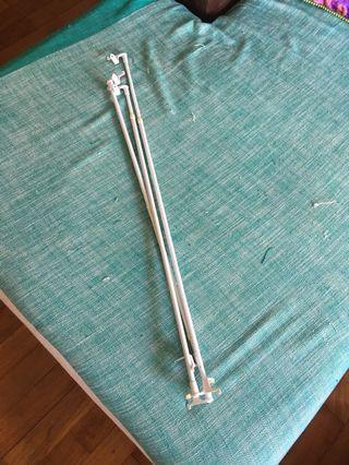 Curtain holder rod pole