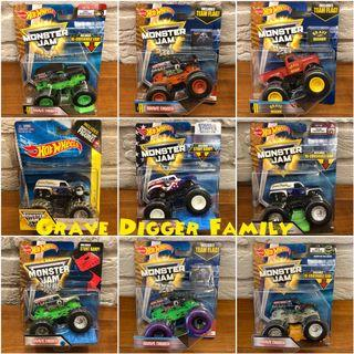 Hotwheels Monster Jam Grave Digger Family 1:64