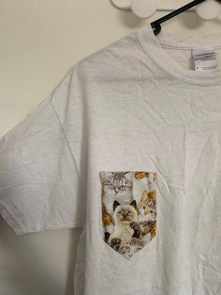 Cat pocket white T-shirt