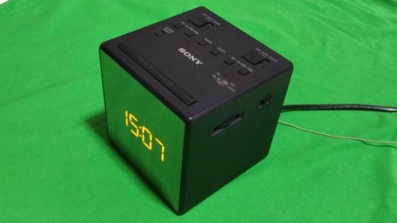 Sony Alarm Clock with Radio & Buzzer