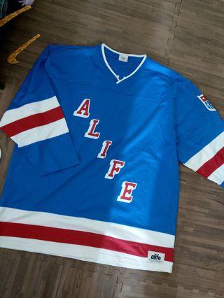 Alive 翻玩 NFL 紐約遊騎兵 冰球衣